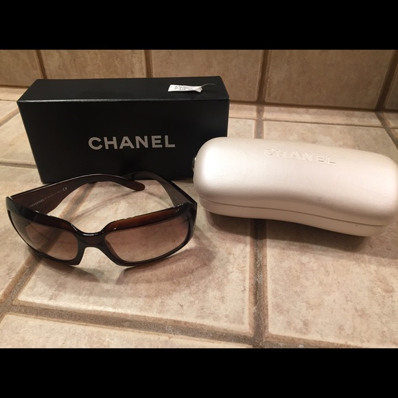 3cd22db5206 CHANEL Accessories - Chanel Mother Of Pearl Tortoise Sunglasses